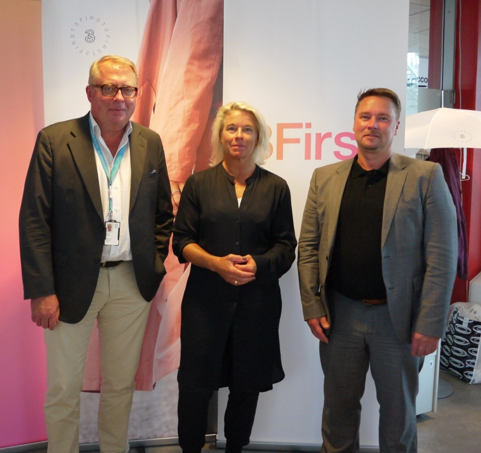 From left: Göran Brandt, Head of IoT/M2M, 3, Annika Söderberg, COO New Business, 3 and Kristian Heimonen, CEO, Comsel System.